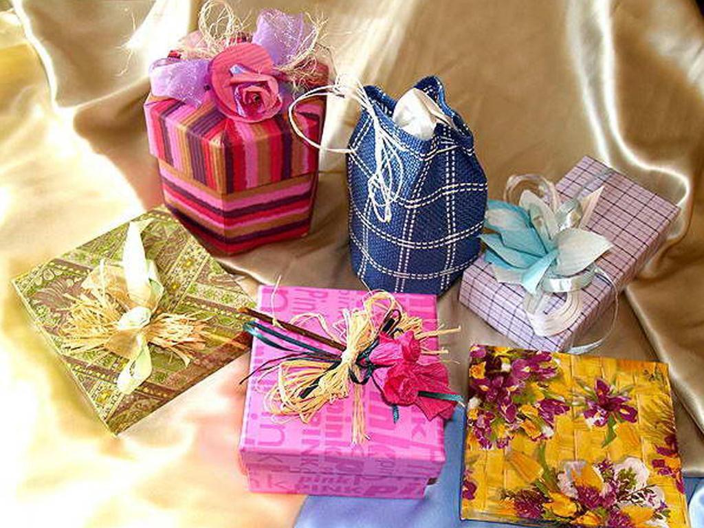 Что можно подарить однокласснице на новый год